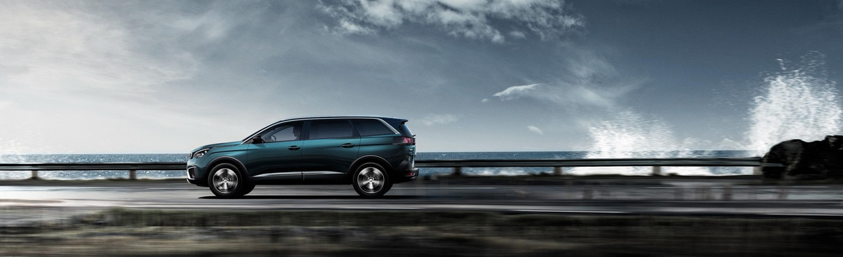 New SUV PEUGEOT 5008: Spacious 7-seater SUV