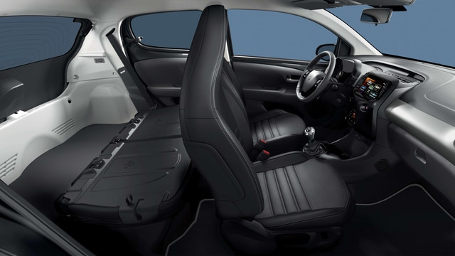 PEUGEOT 108 – spacious interior