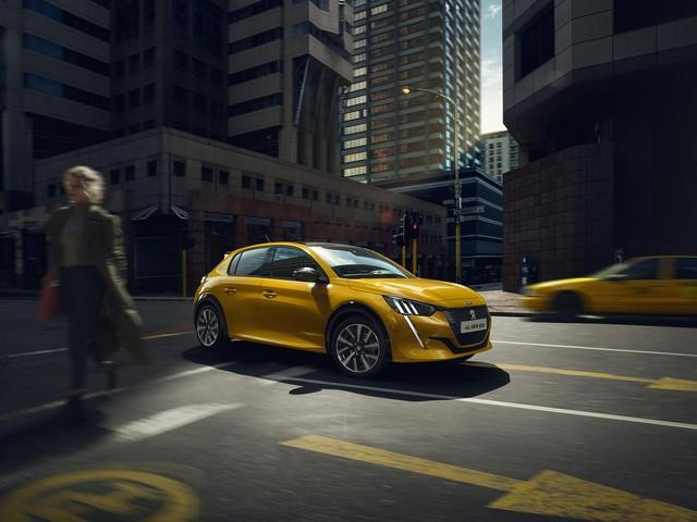 ALL-NEW PEUGEOT 208 - Distinctive rear end