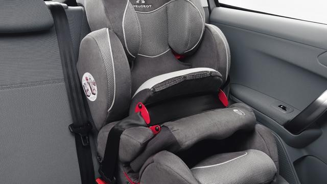 /image/76/7/2008-suv-isofix-child-seat.154767.jpg