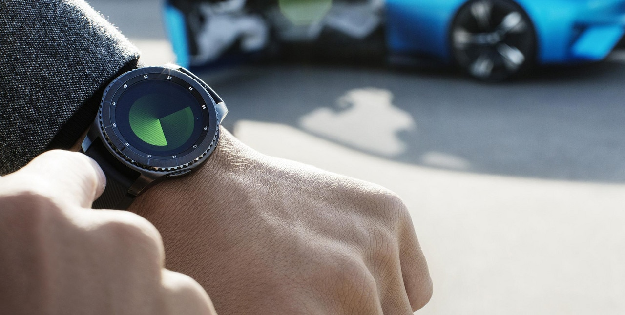 Peugeot Instinct Concept - The best of the I.o.T. – Connected watch Focus