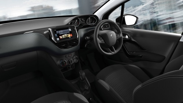 /image/82/9/peugeot_208_dashboards.95829.jpg